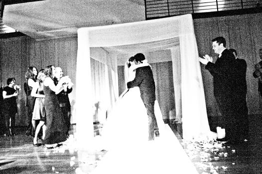 08_ceremony-kiss.jpg