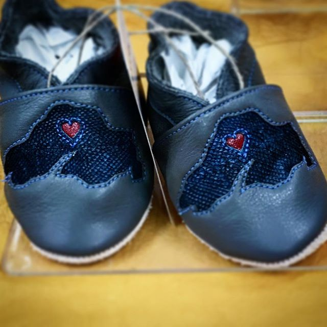 Yes, that's Lake Superior Lake Trout Leather!  Handcrafted by @solekicksfootwear.  Check them out in the shop.