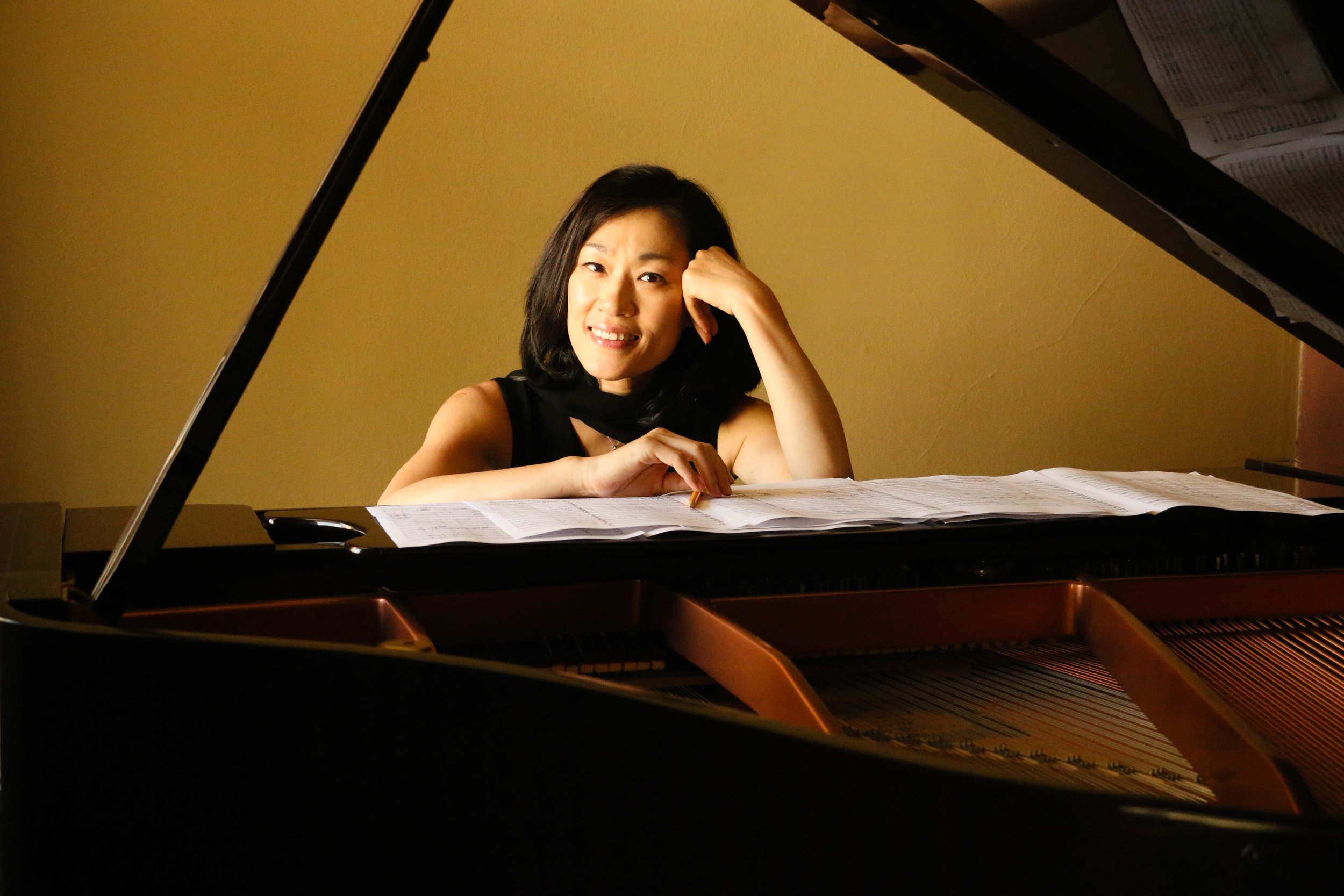 Hyeseon Hong: Manager, Piano, Composition Teacher
