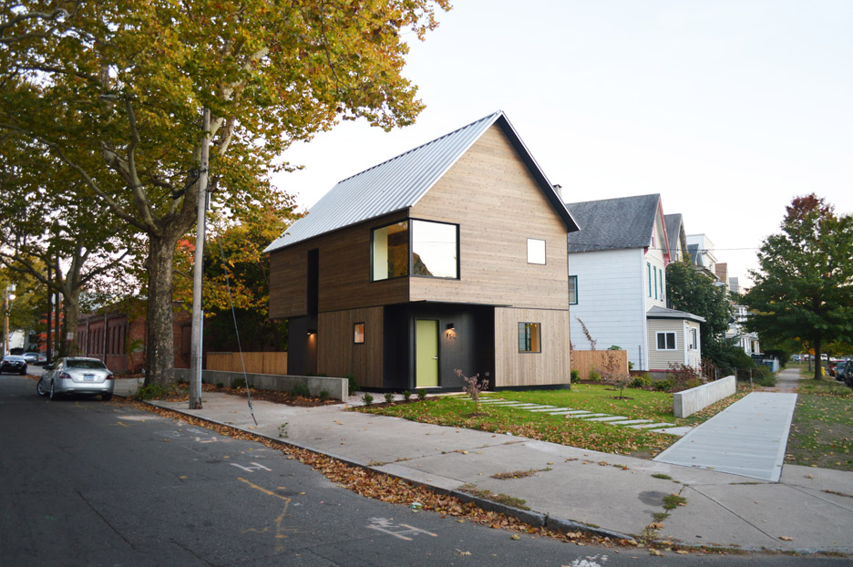 Jim-Vlock-Building-Project_Yale-School-of-Architecture_house_New-Haven_USA_dezeen_936_10.jpg