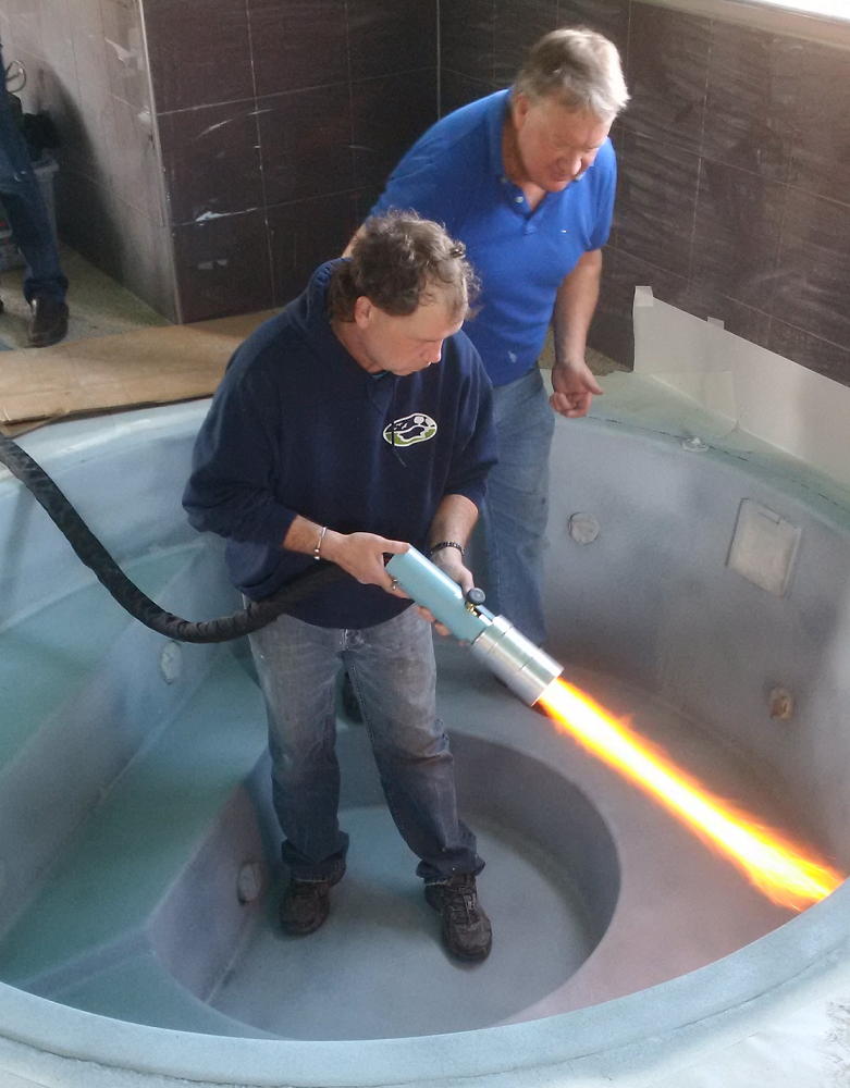 mike cleary training new installer blue horizon on fiberglass surfaces