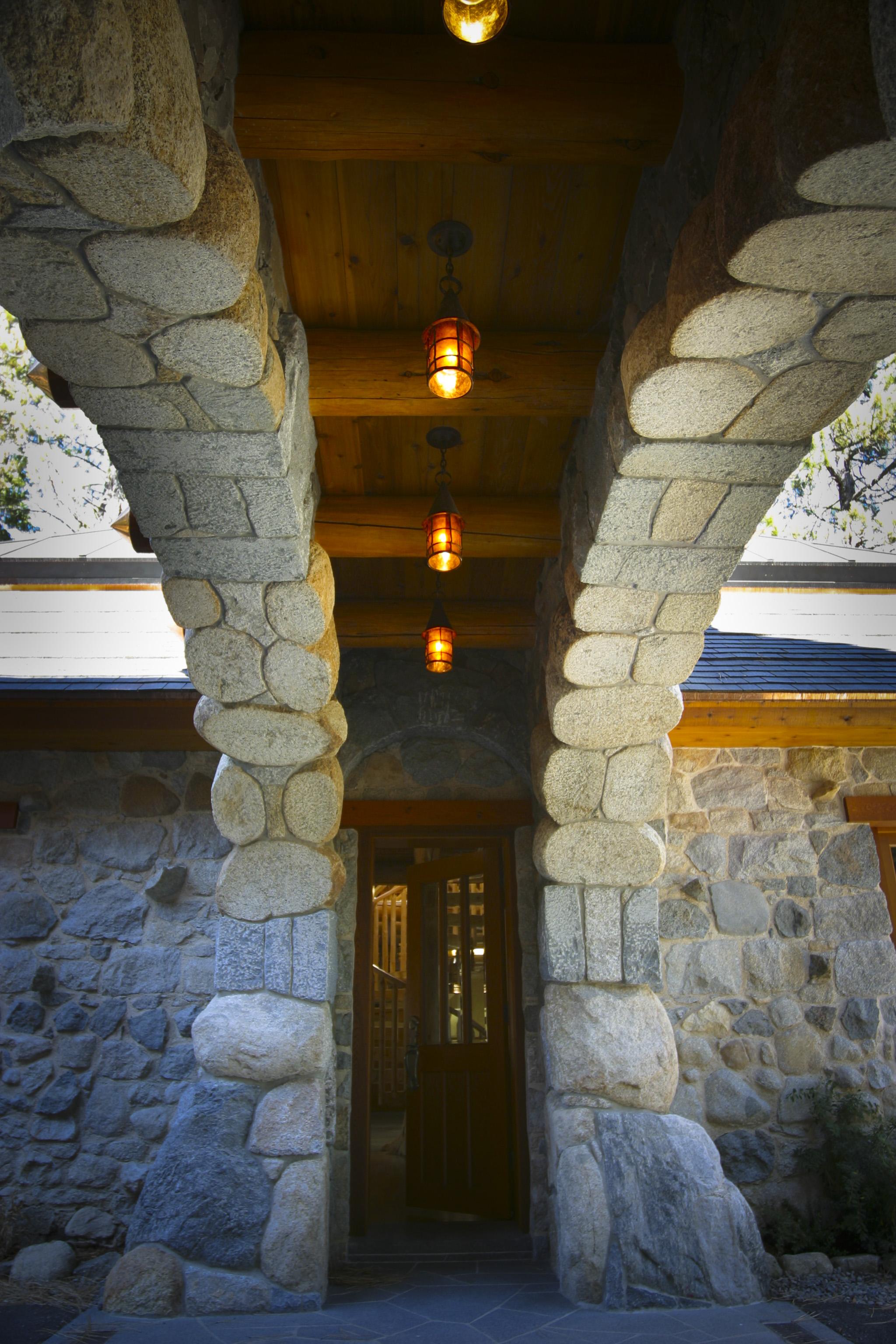 stone house arch 001.jpg