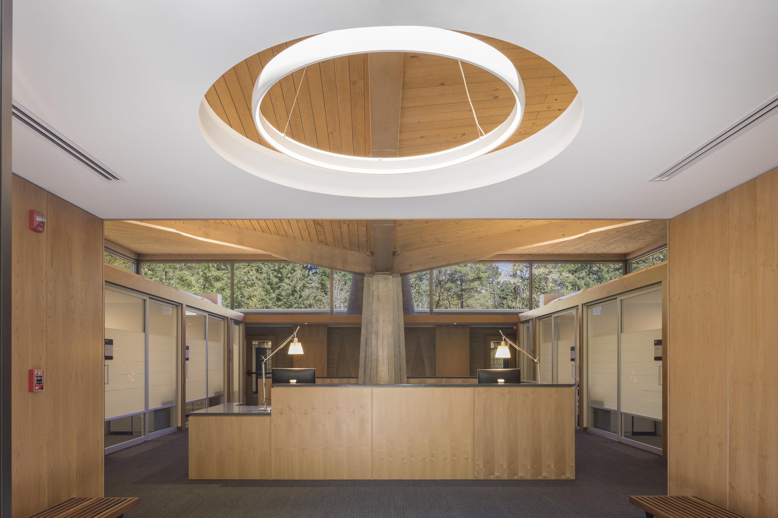 Lewis & Clark Law School light . Studio Petretti - SKL