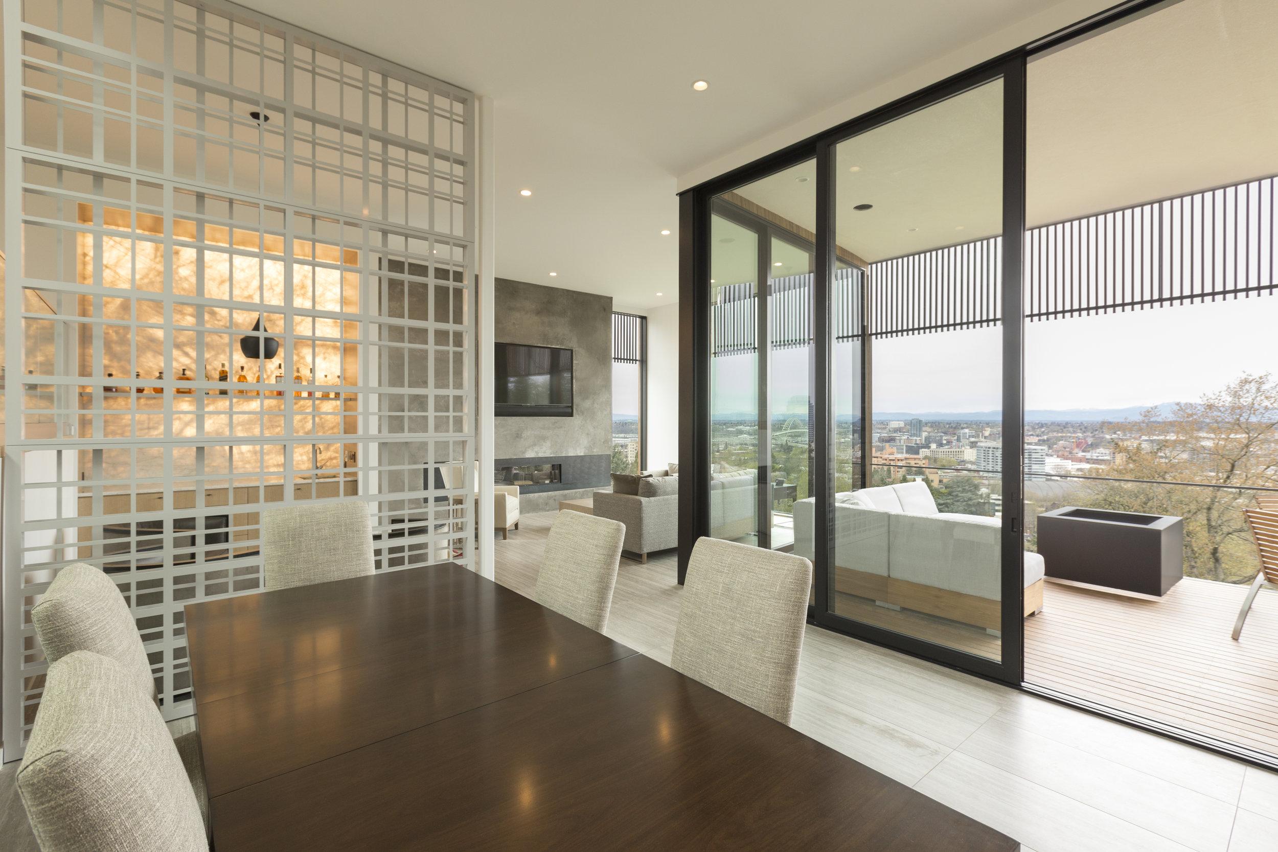 Vista dining room . Rainier - Weil