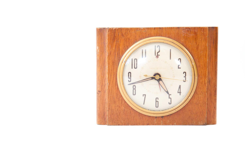 (PS-007) GE ART DECO CLOCK