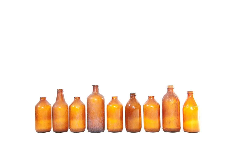 (V-010) MEDIUM BROWN GLASS COLLECTION