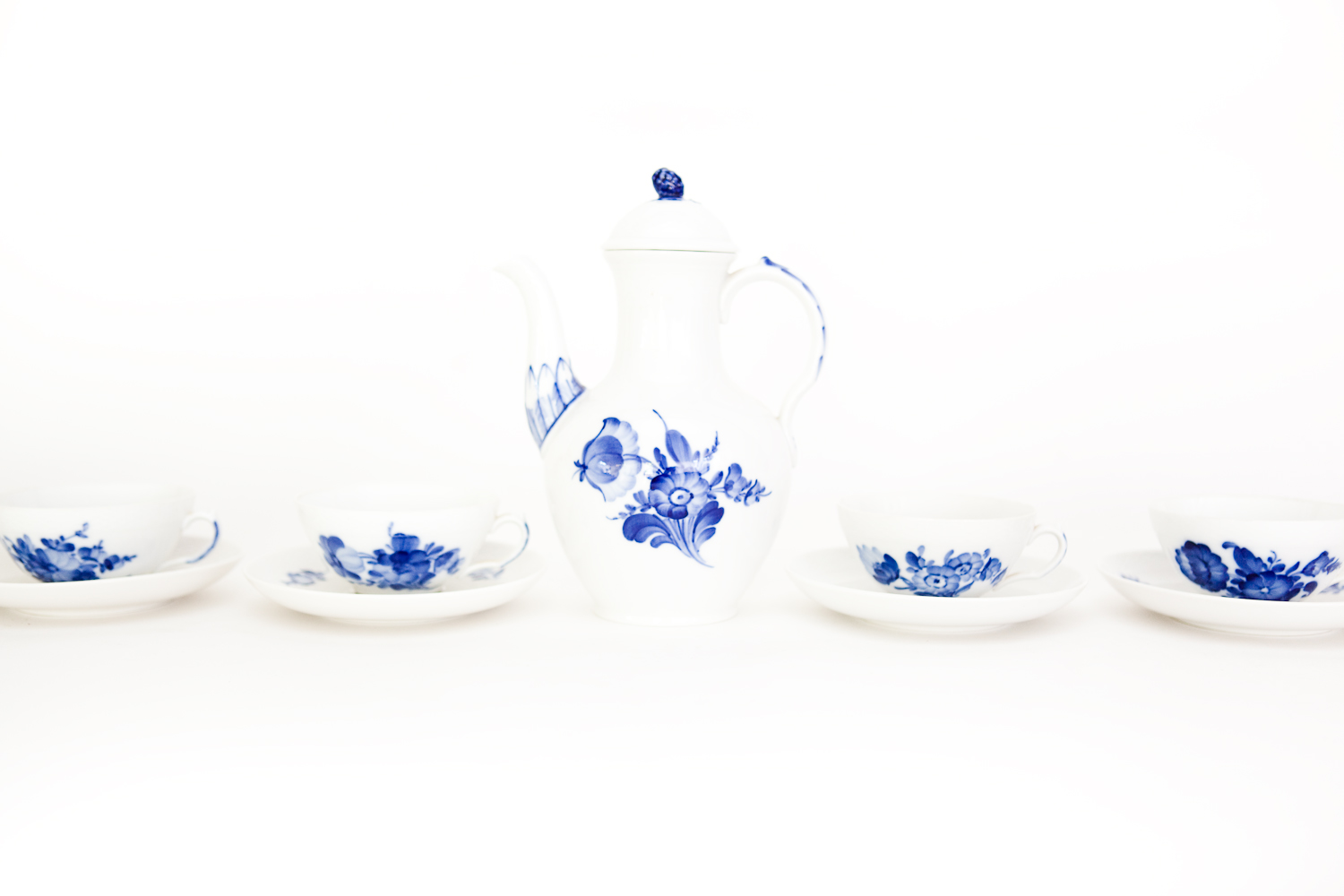 (TA-087) ROYAL COPENHAGEN TEA SET