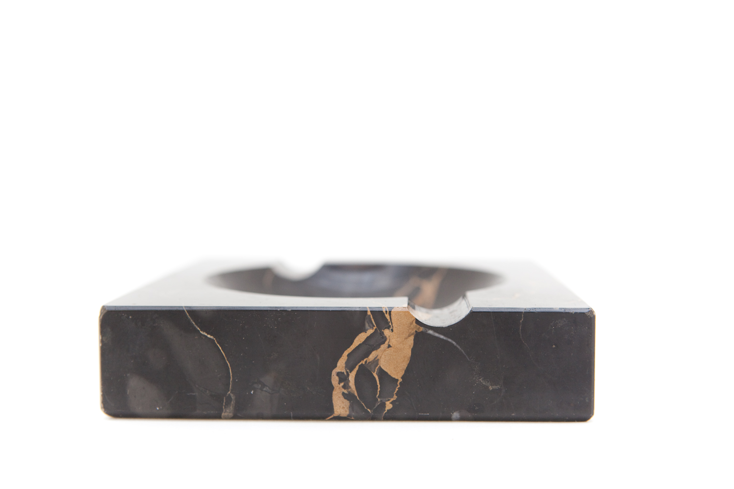 (TA-094) BLACK MARBLE ASHTRAY