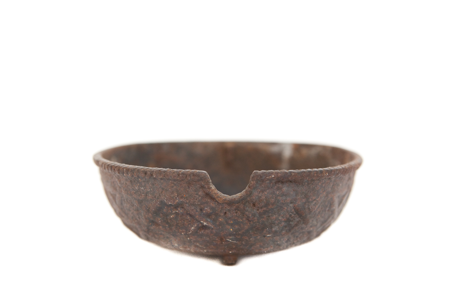 (TA-095) CAST IRON ASHTRAY