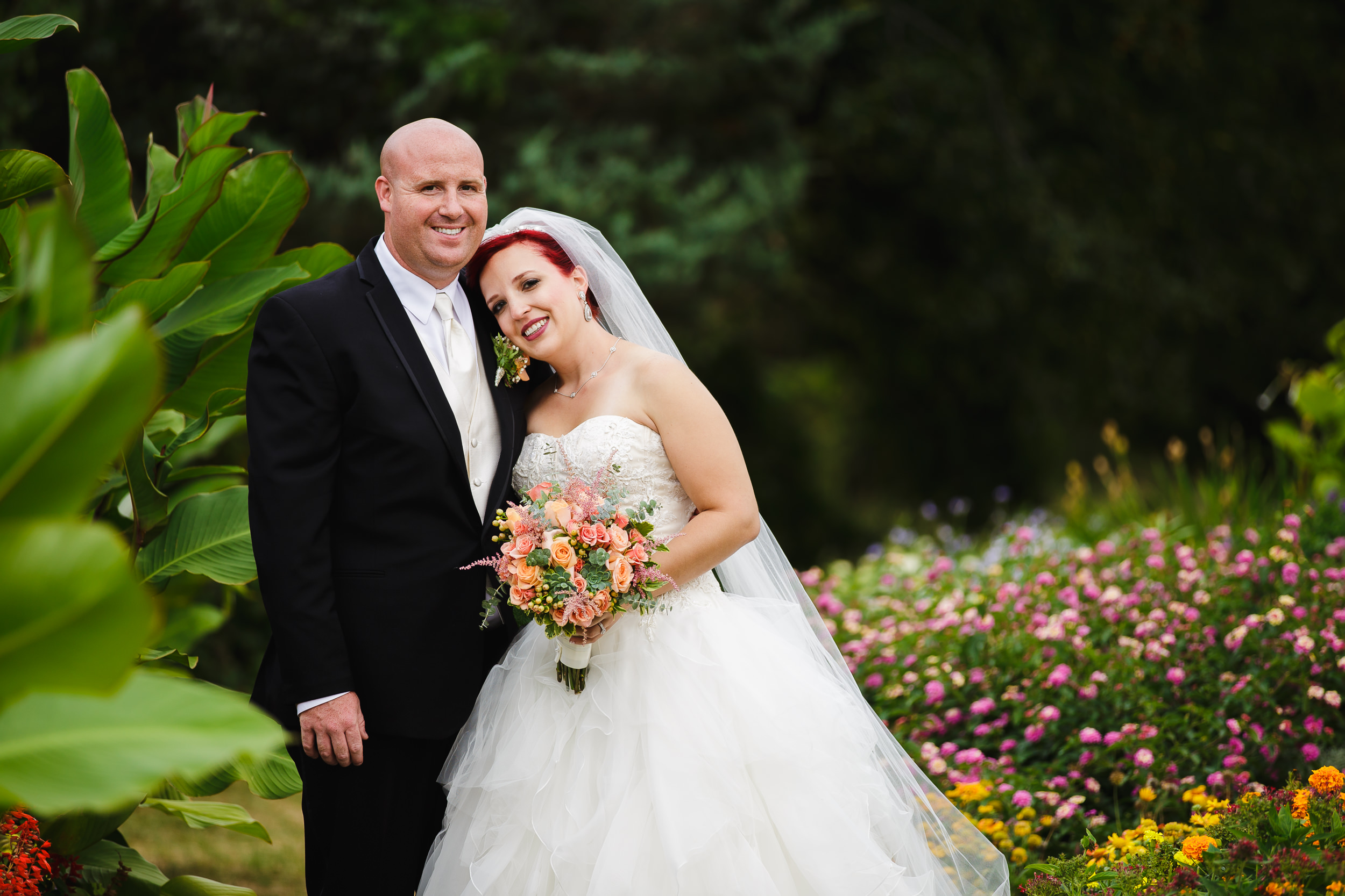 wedding portrait bride groom rutgers gardens new brunswick nj