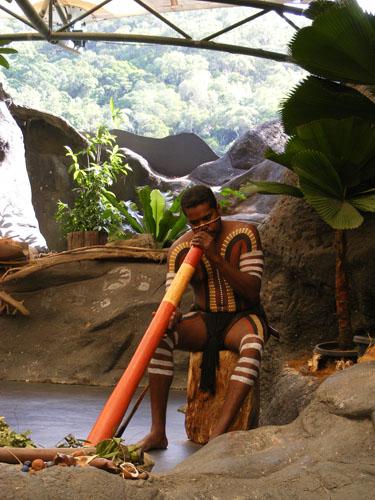 Didge player at Tjapukai