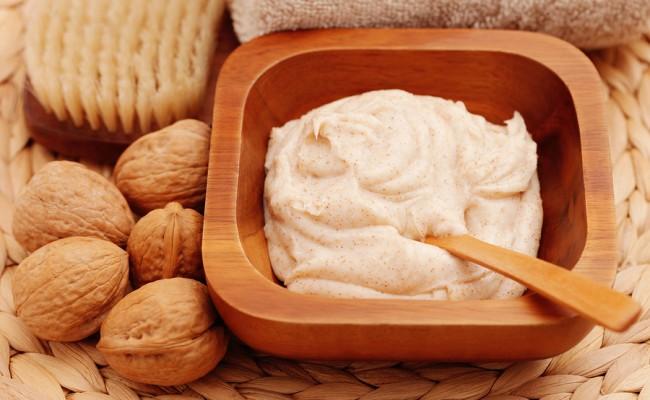 Walnut and Honey Body Scrub Recipe