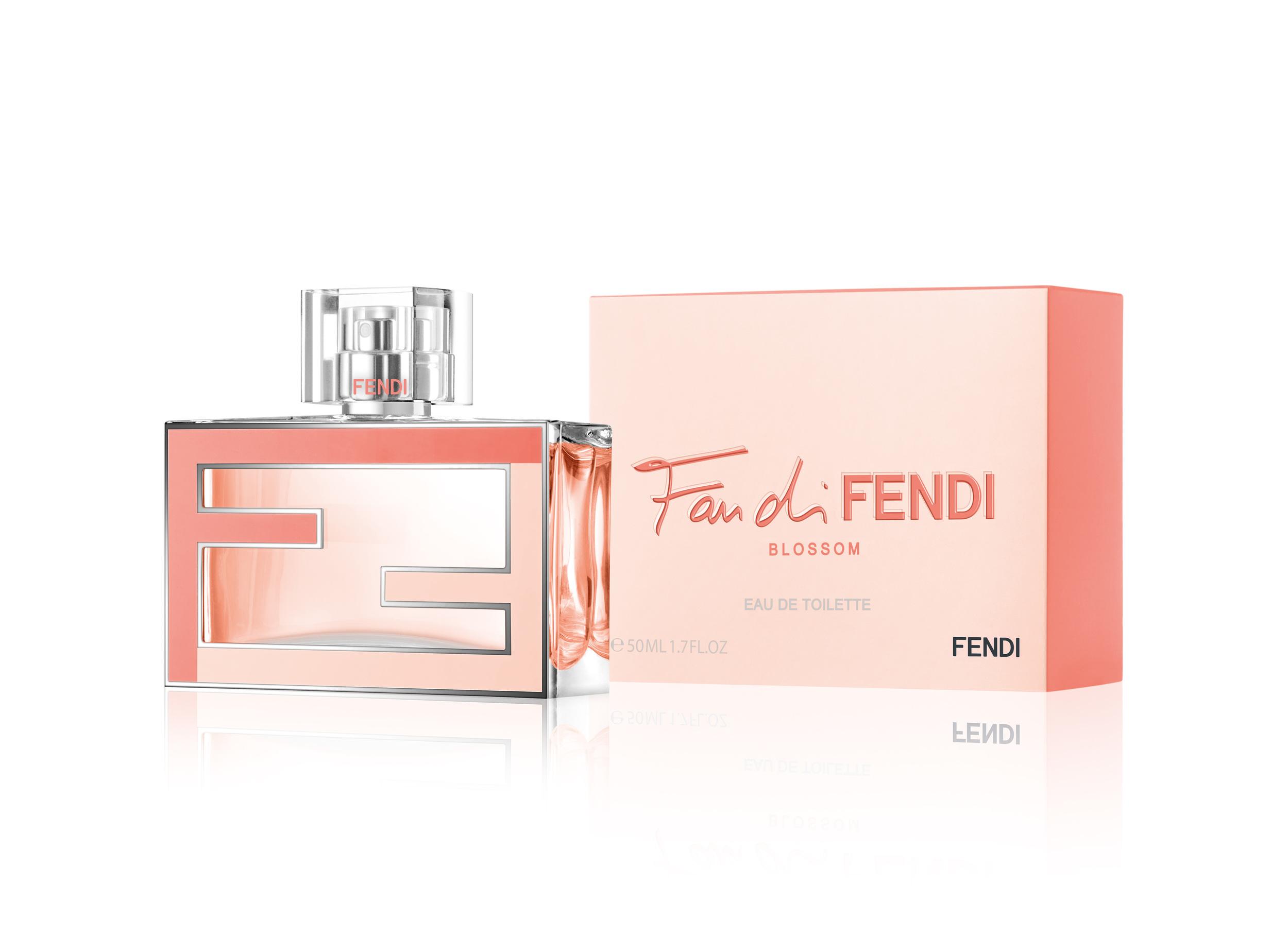 FAN DI FENDI BLOSSOM - FLACON + ETUI 50ML 3-4.jpg