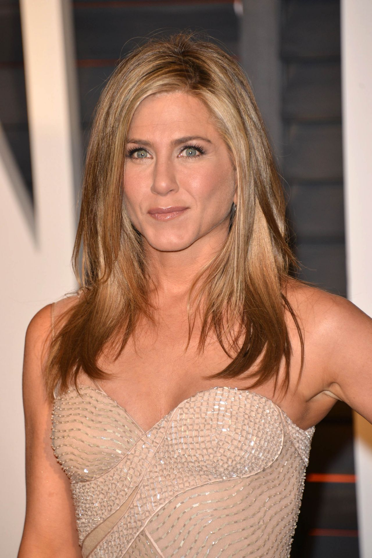 jennifer-aniston-2015-vanity-fair-oscar-party-in-hollywood_1.jpg