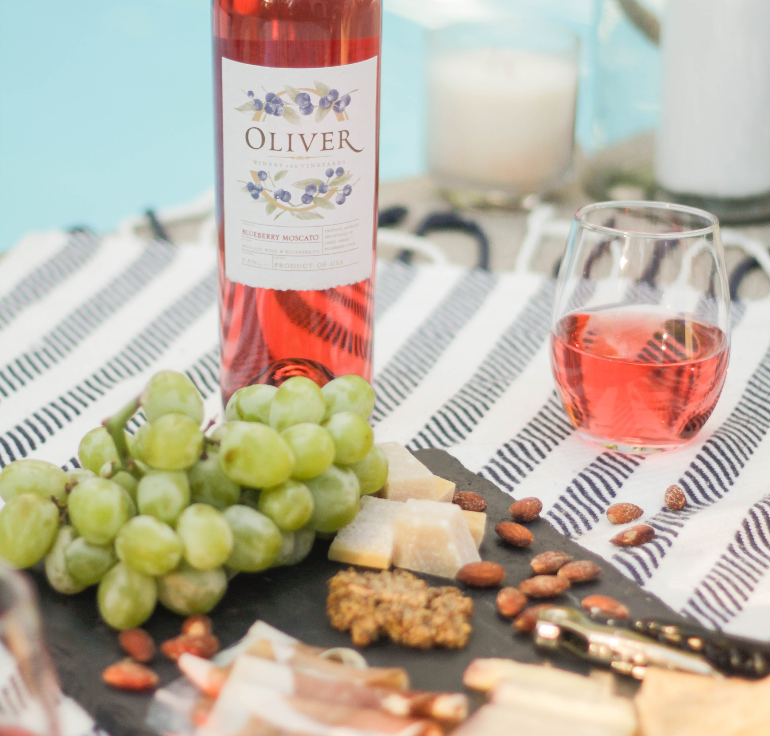 OliverWinery_BlueberryMoscato_1.png