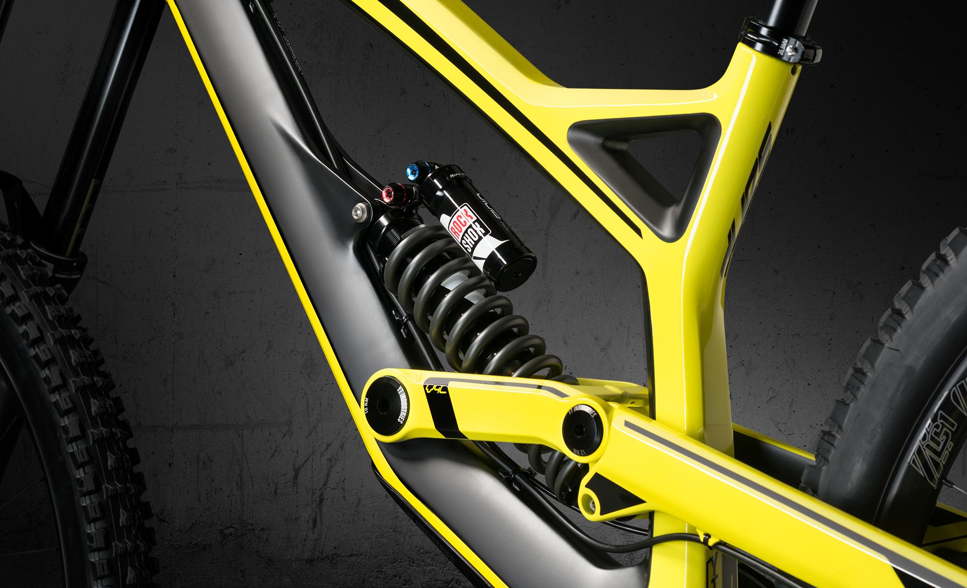 Tues_CF_yellow_daempfer_b1.jpg
