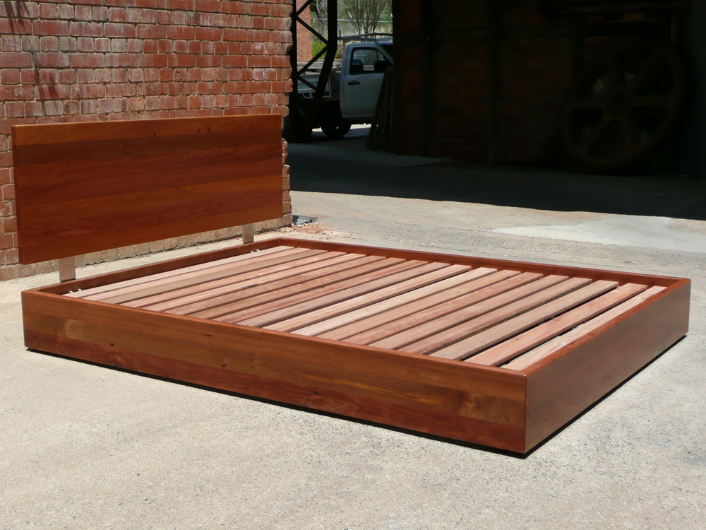 Bed in recycled Brushbox