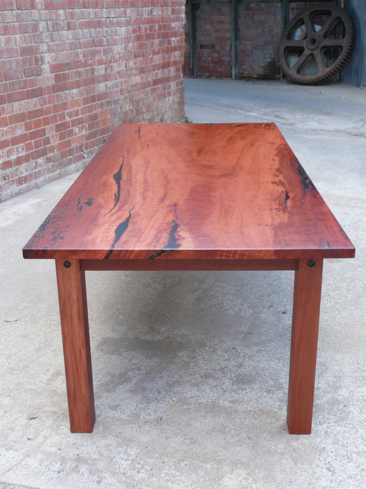 T3 Flat Pack Table