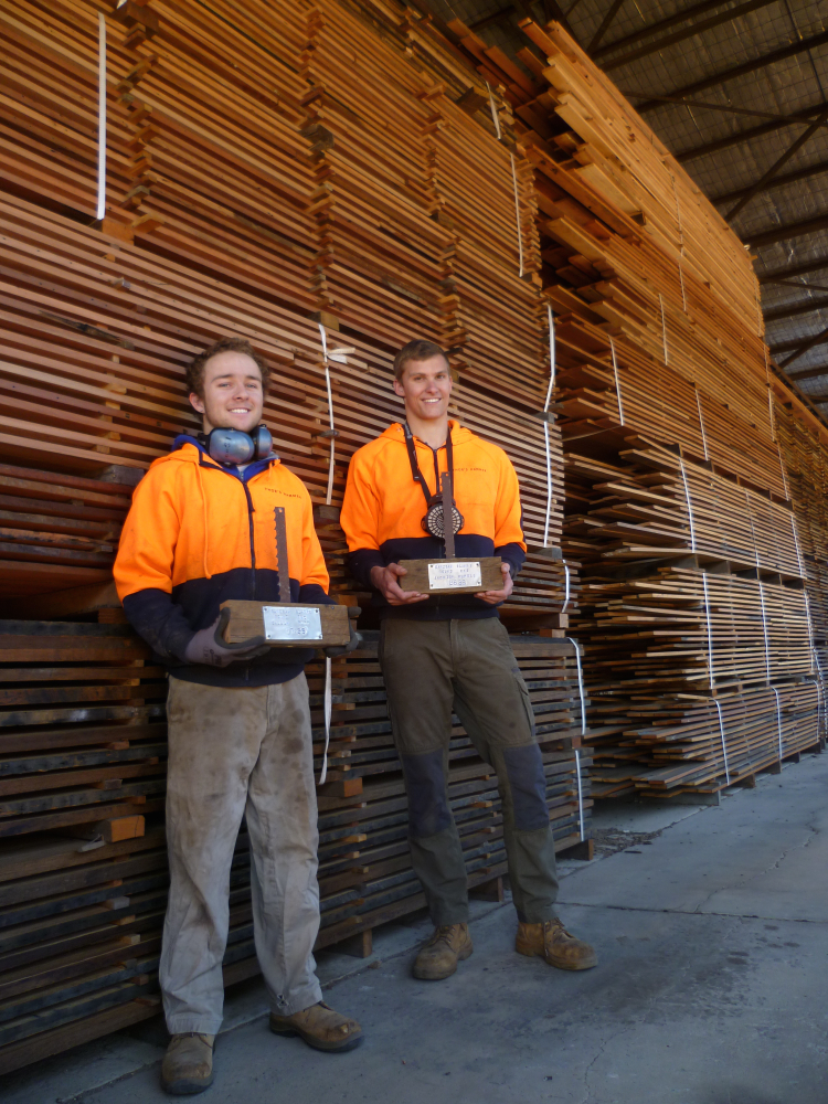 Ewald and Calum have sawn up heaps and heaps of decking from salvaged timber just in time for the spring rush of deck building!
