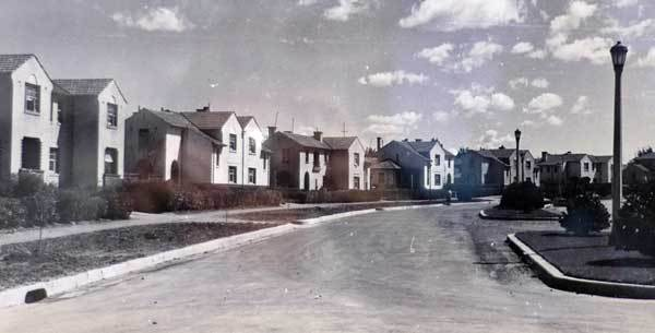 Murray Crescent, Griffith. c1945. Credit: National Library of Australia