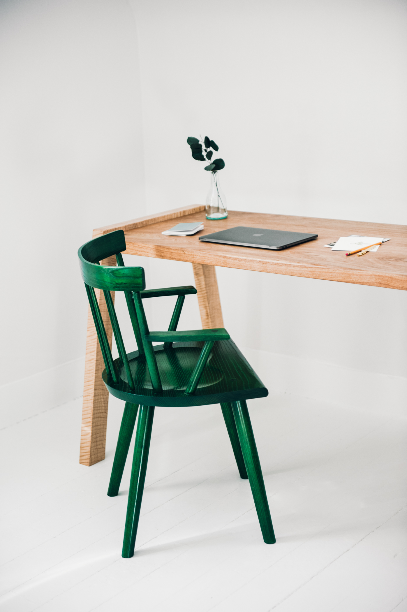 White room and wood desk