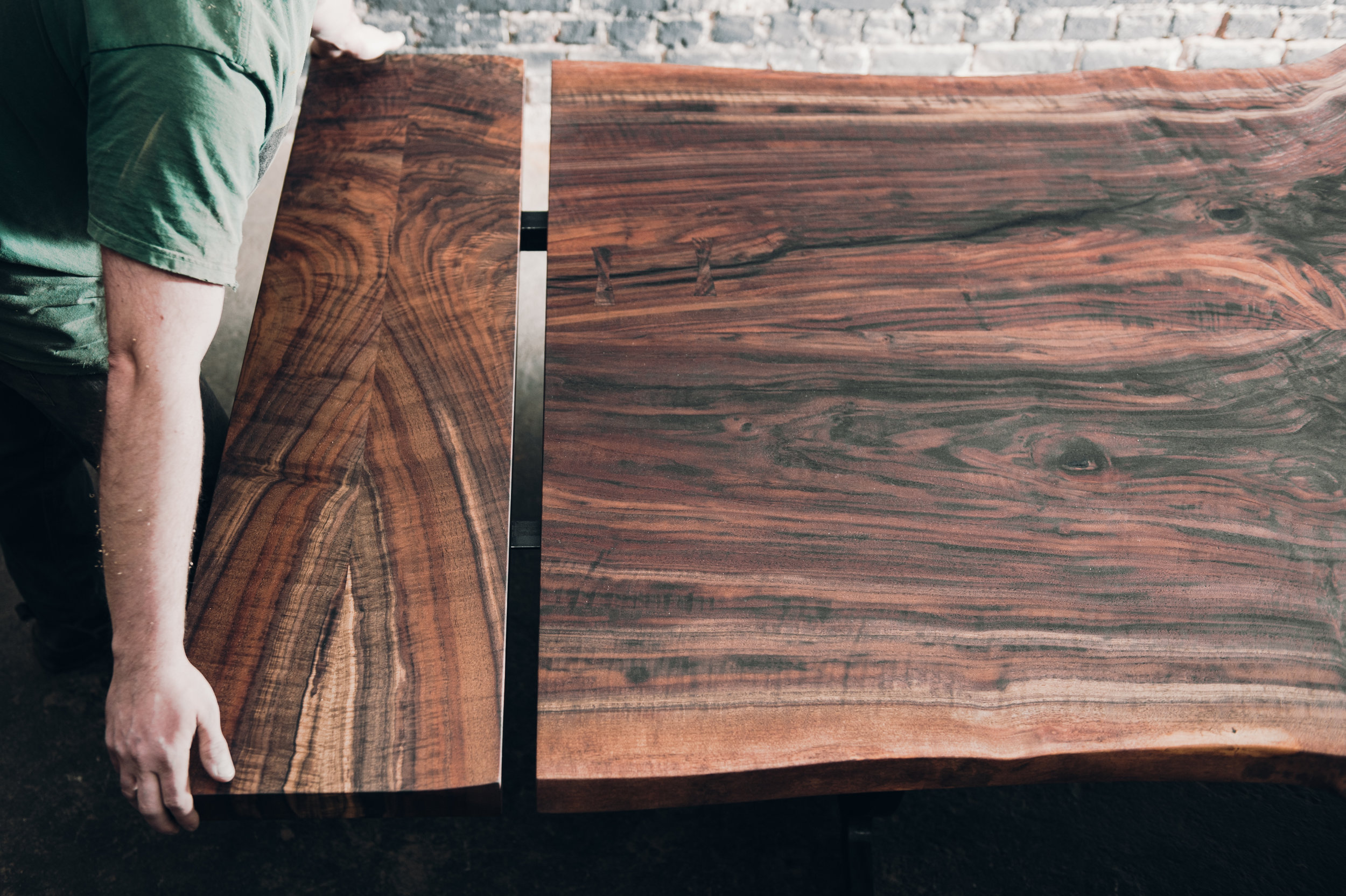 Table extensions for live edge
