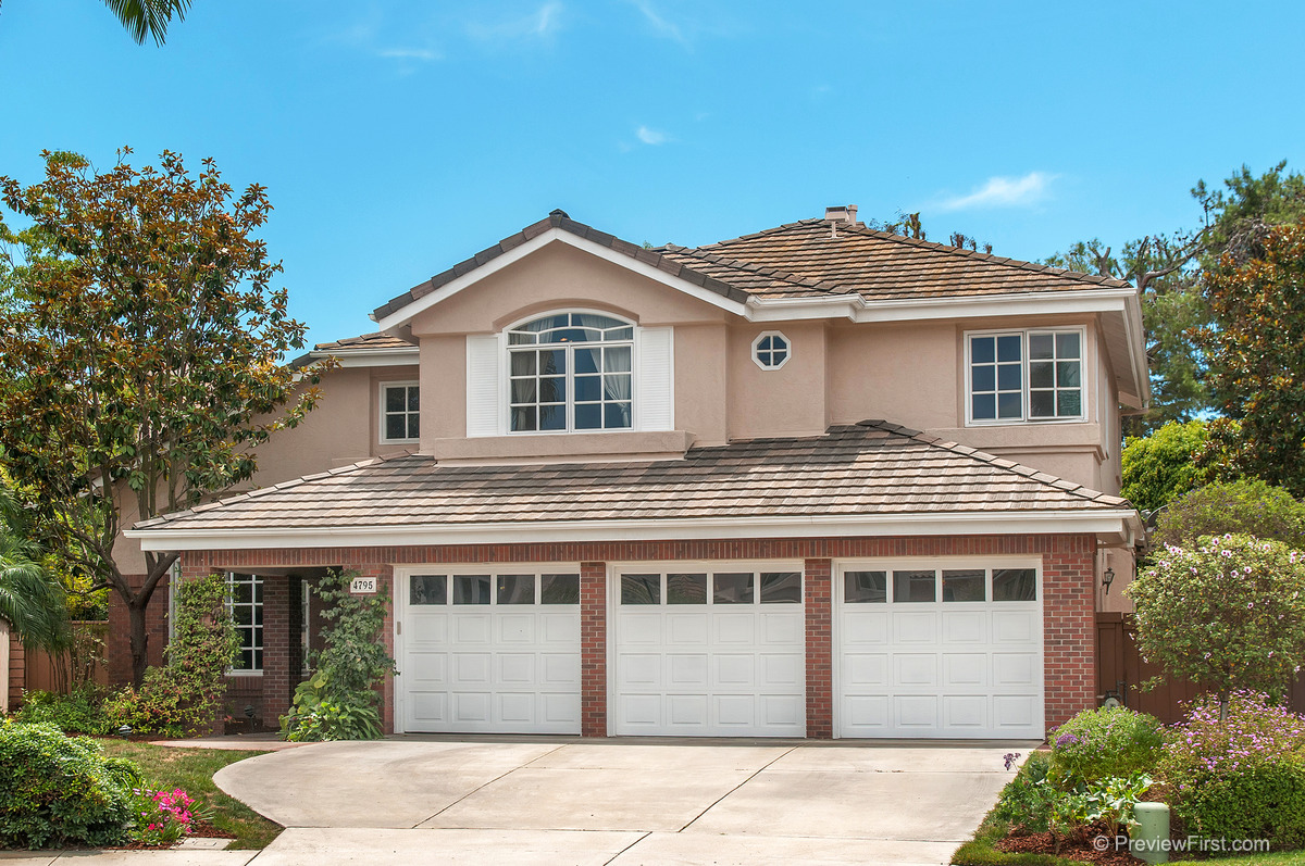 1 - Low Res - Front of home zoomed in.jpg