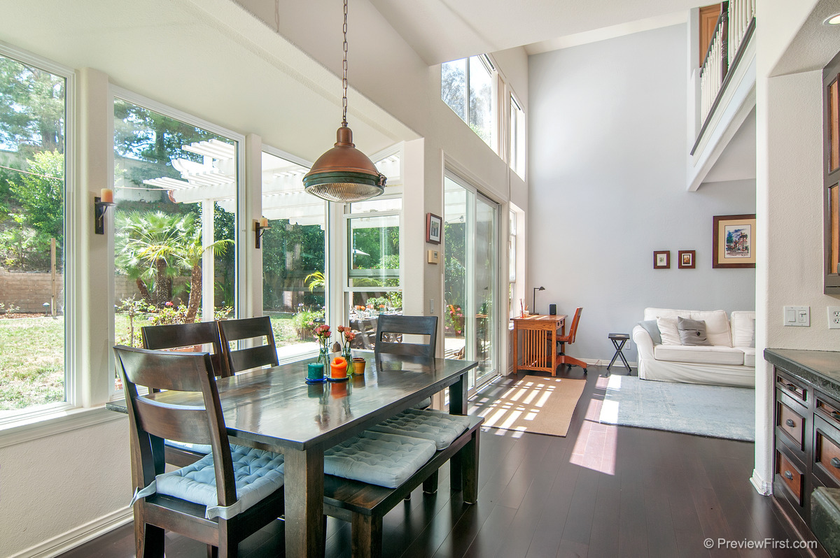 33 - Low Res - Kitchen table toward white couch.jpg