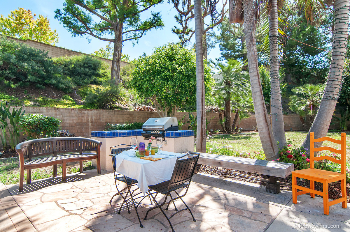 50 - Low Res - Outside with bbq small table.jpg