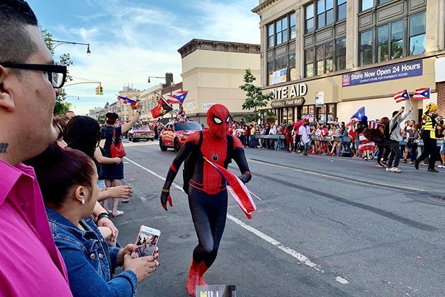 Caught the end of the #puertoricandayparade at #sunsetpark