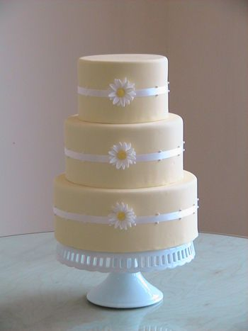 This simple but perfectly executed Pale Yellow Wedding Cake is almost too pretty to eat! (almost...)