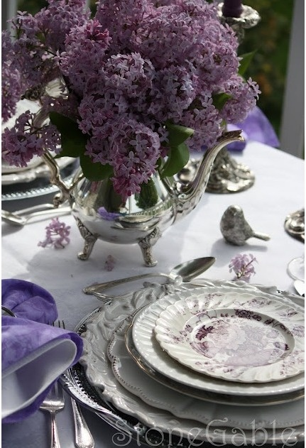 This amazing Lilac Wedding Table is so magical!