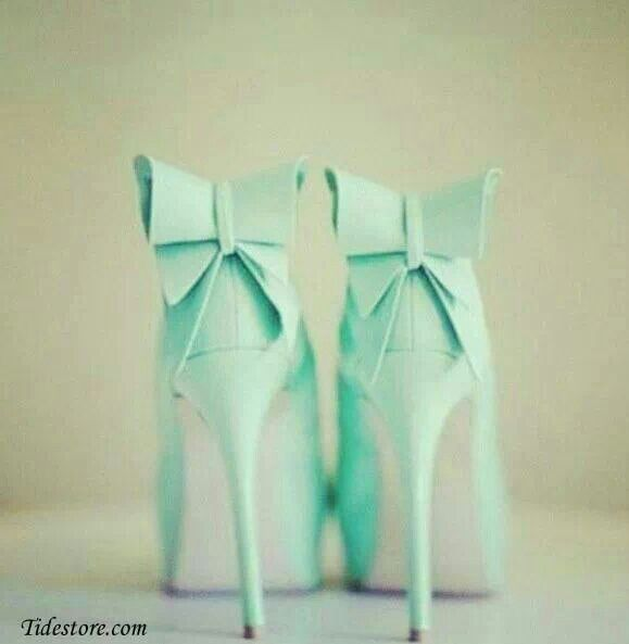 We love the bow detail on the back of these Mint Green Shoes!