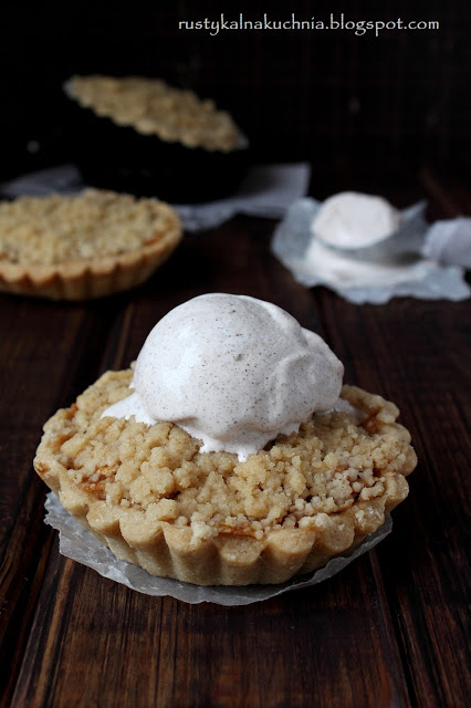 "You know the saying ""As American as Apple Pie"", right? Well, apple pie with a scoop of cinnamon ice cream sounds like a delicious ending to your wedding meal!"