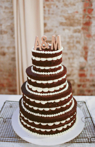 Composed Naked Wedding Cake  / Photo credit:  Heidi Benjamin