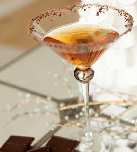 2012-12-11_new-years-eve-drink-ideas-champagne-cocktails-midnight-kiss-2.jpg