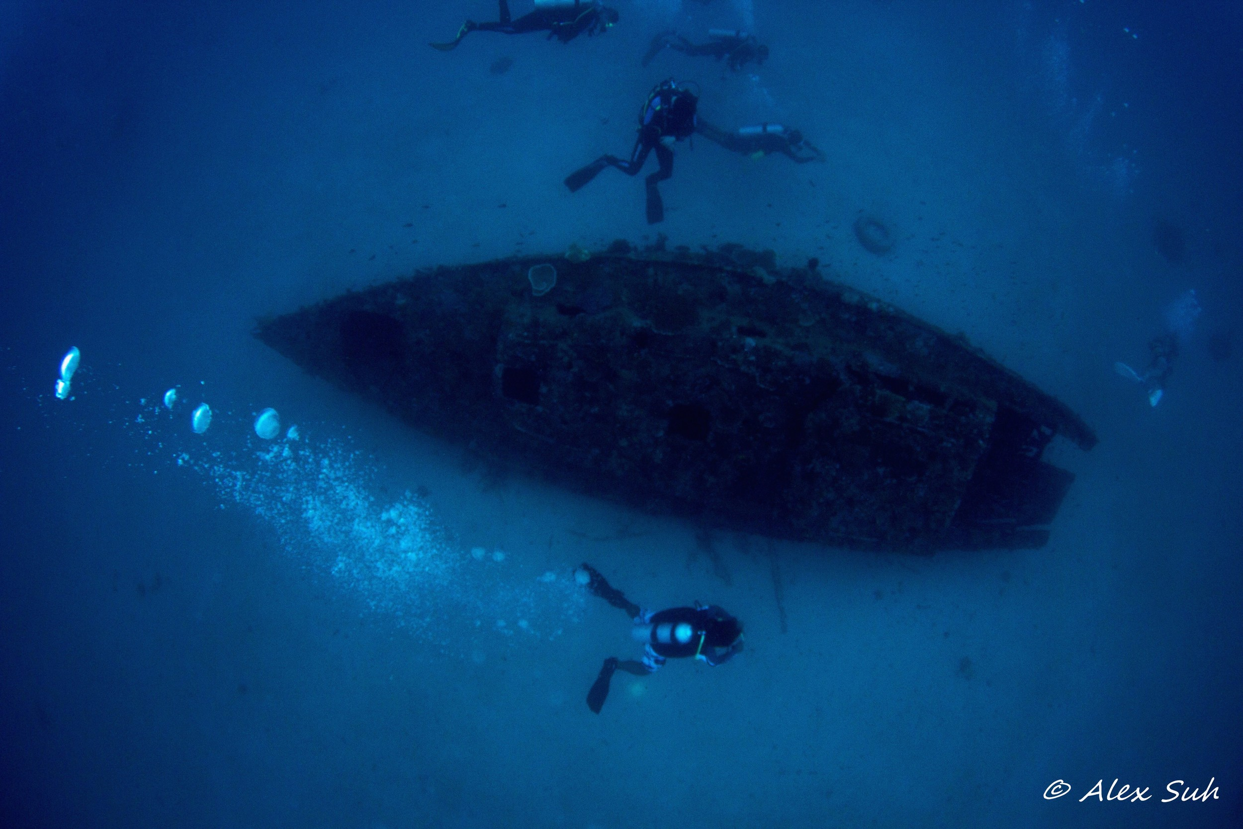 Yacht Wreck Divers.jpg