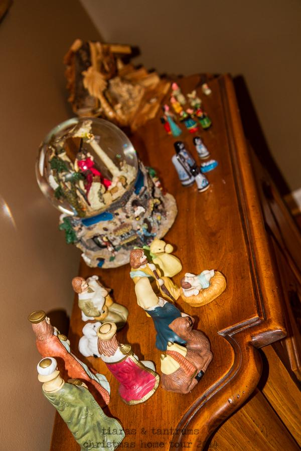 Tiaras & Tantrums Christmas Home Tour 2014