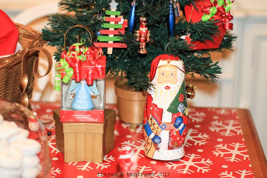 Elf on the Shelf Brings Cards From Santa #SendHallmark