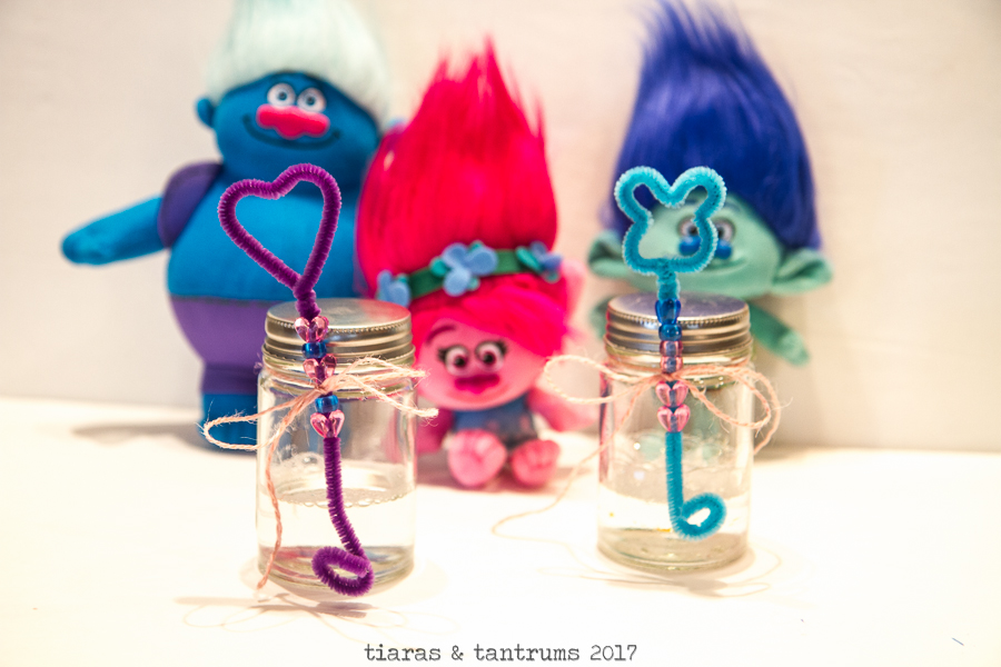 POPPY DIY BUBBLE WANDS AND BUBBLE JARS