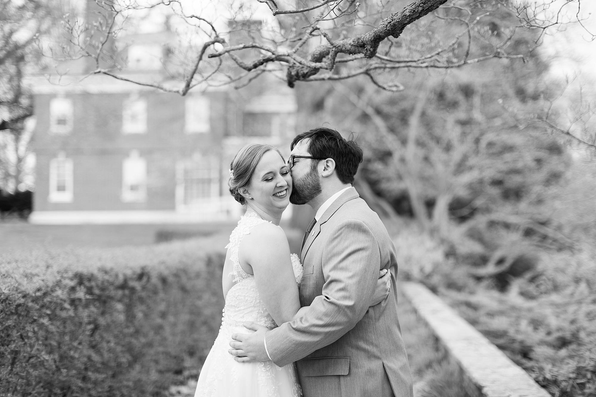 eisleyimages-concordcolonialinn-wedding_0002.jpg