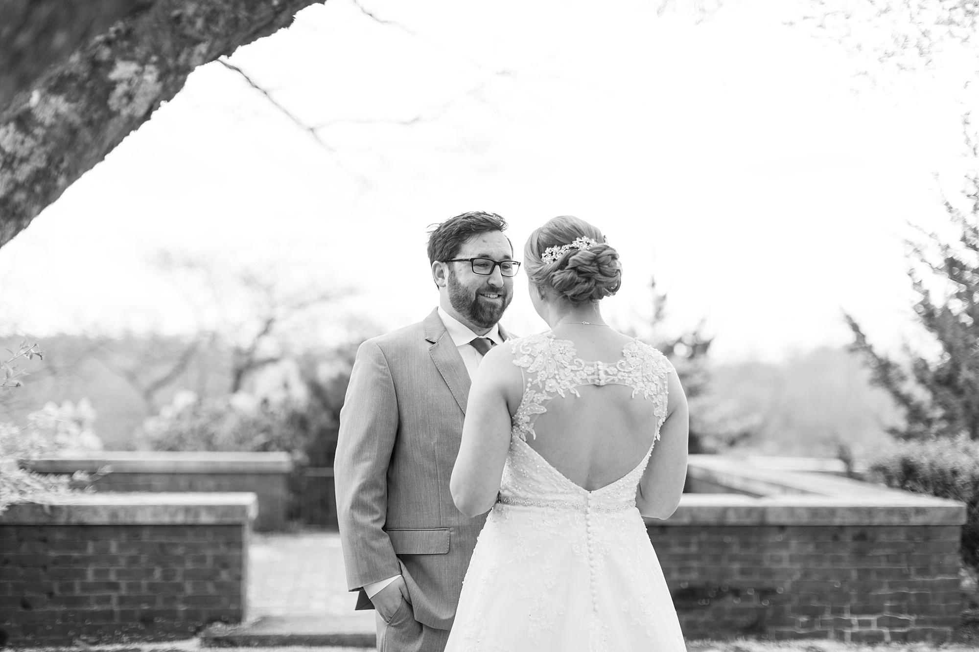 eisleyimages-concordcolonialinn-wedding_0031.jpg