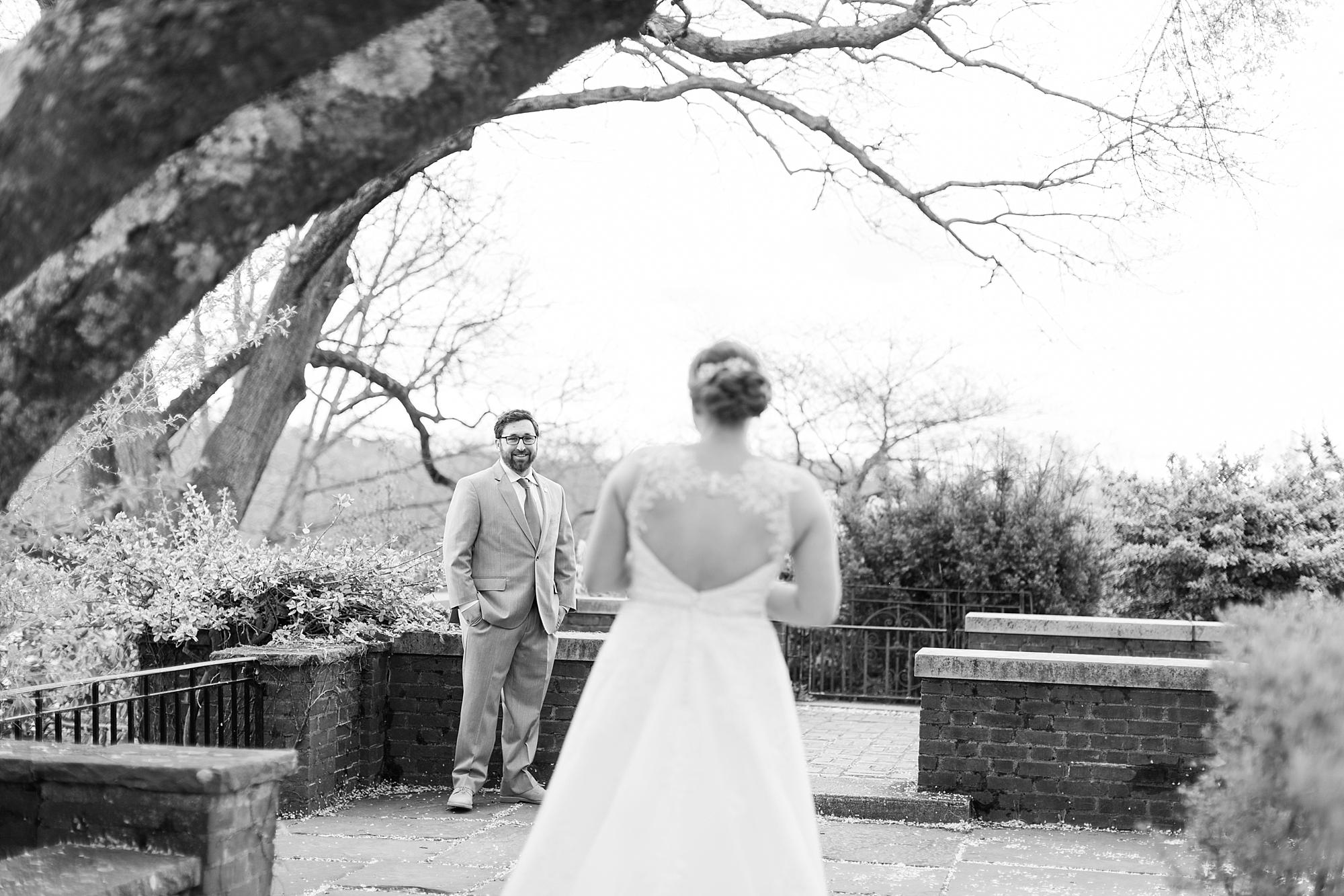 eisleyimages-concordcolonialinn-wedding_0032.jpg