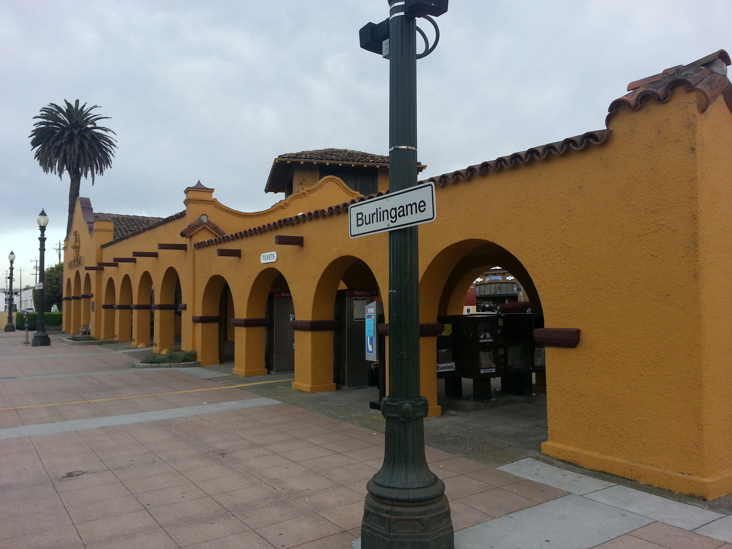 Burlingame Caltrain Station