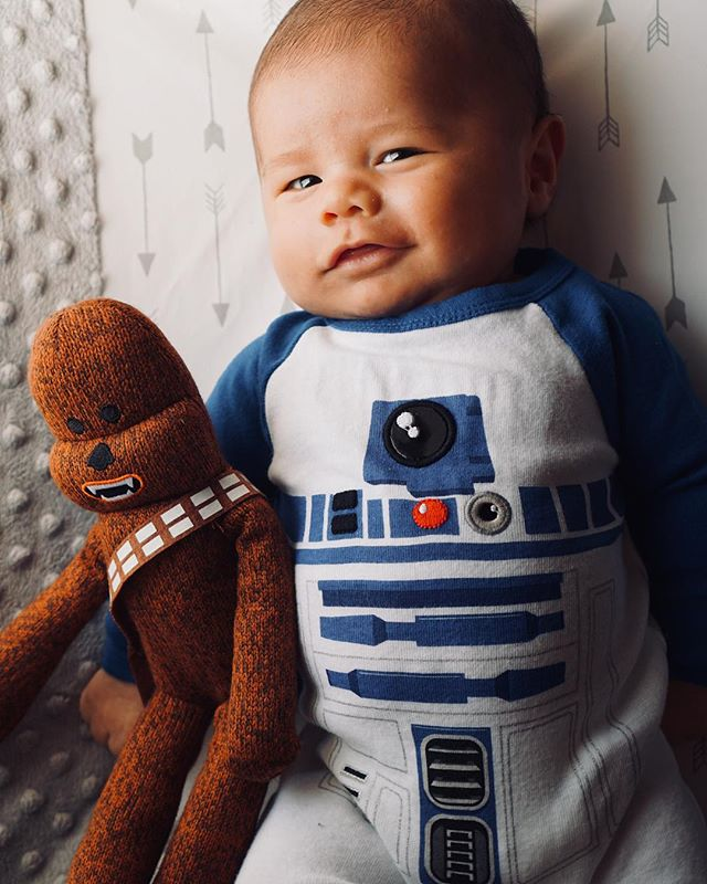 Happy May the 4th from little B and Chewie ❤️ #brandongrey #maythefourthbewithyou @starwars