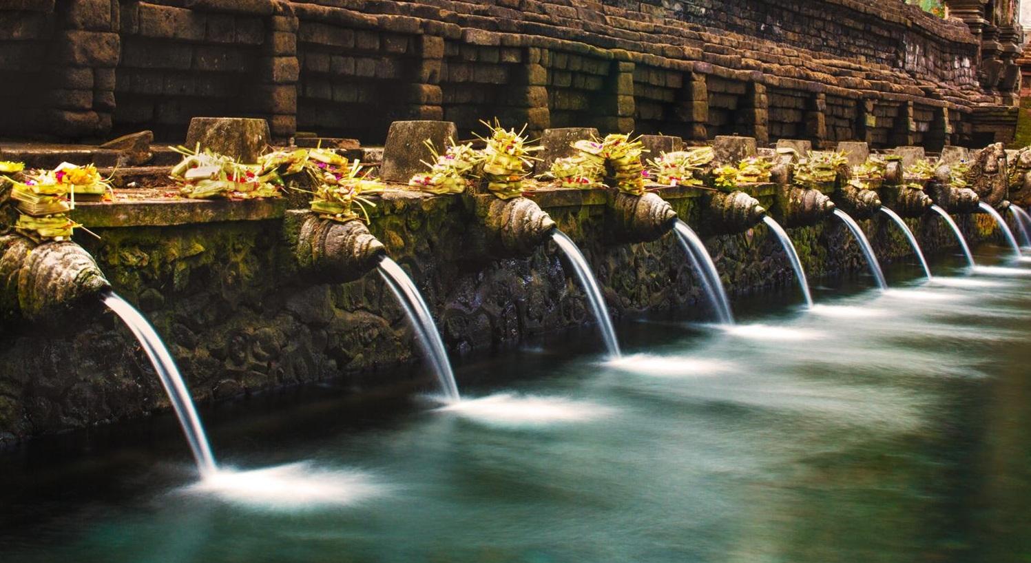 Tirta-Empul-Bali-Hello-Travel-5.jpg