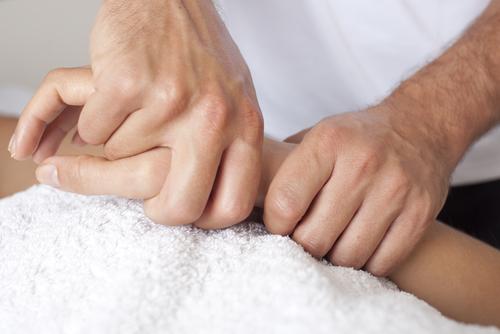 hands_152505992.jpg