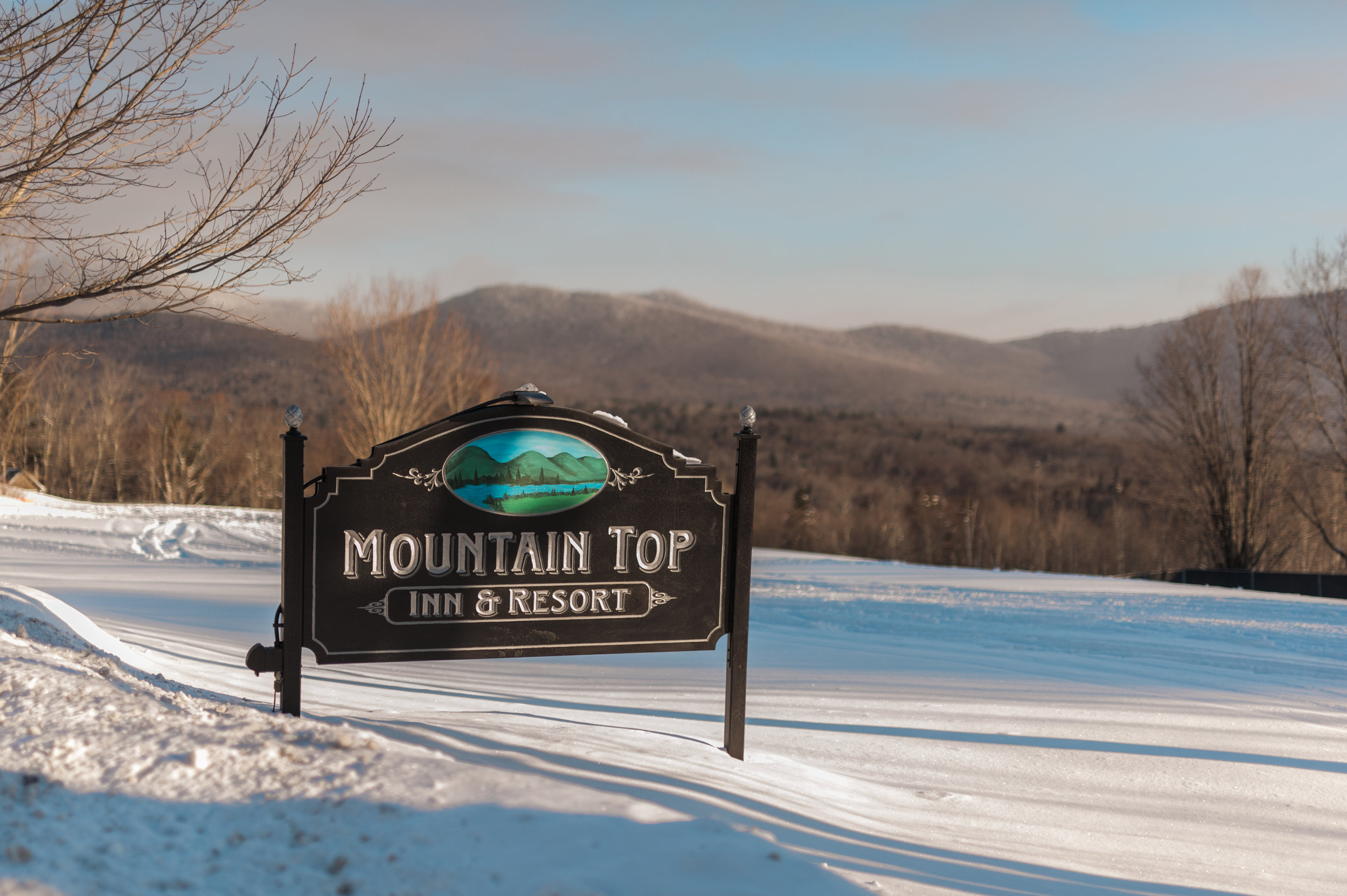 The Mountain Top Inn welcome sign