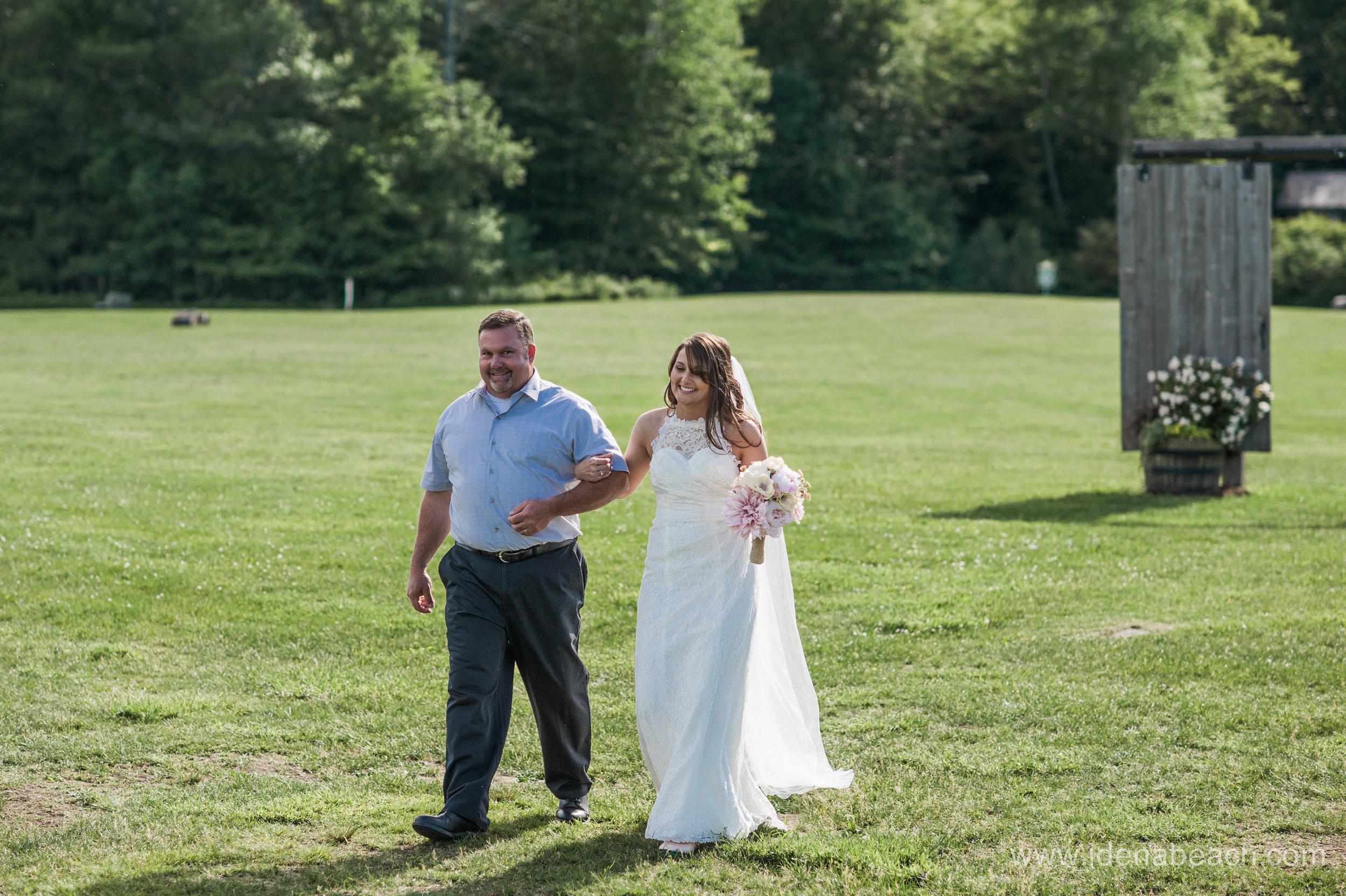 Mountain-Top-Inn-Vermont-Wedding-Photographer-35.jpg