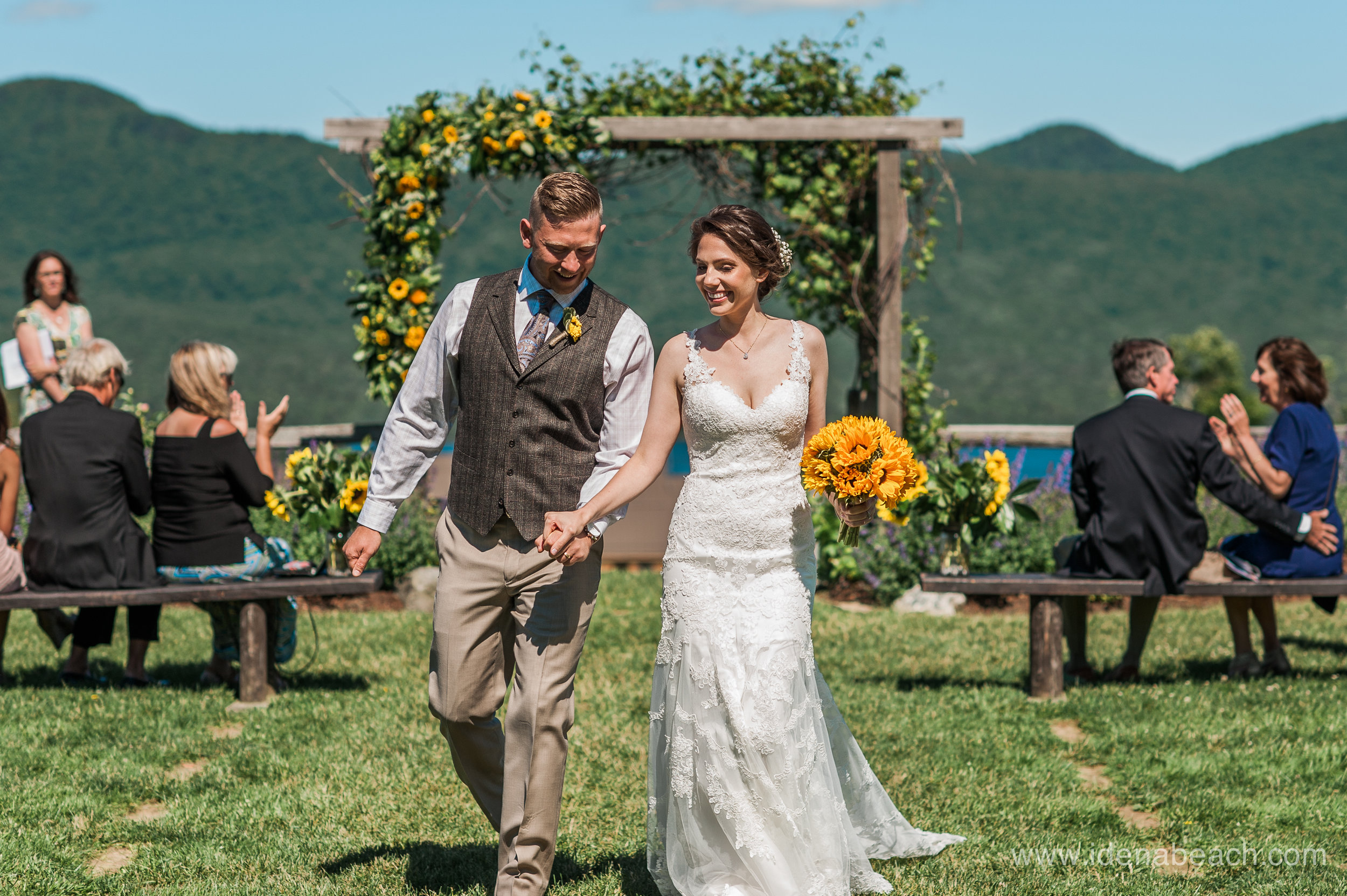 IdenaBeach-Vermont-Wedding-Photographer-Mountain-Top-Inn-40.jpg